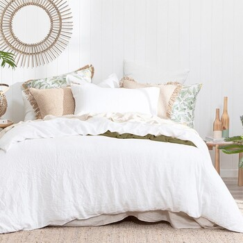 Washed Linen White Quilt Cover Set by M.U.S.E.
