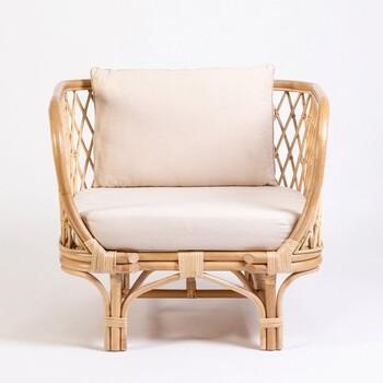 Tanah Chair by M.U.S.E.