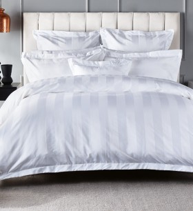 Hotel-Savoy-1000-Thread-Count-Quilt-Cover-Set on sale
