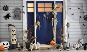 Halloween-Decorations on sale