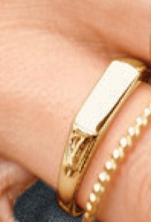 NEW-Rectangular-Signet-Ring-in-10ct-Yellow-Gold on sale